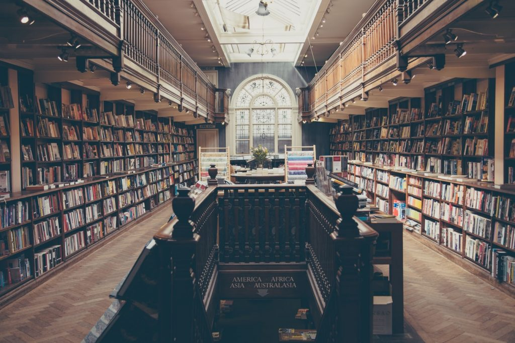 save money on textbooks by avoiding the bookstore